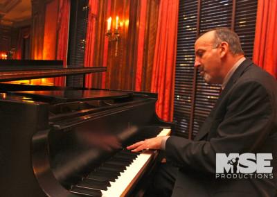Pianist Bob